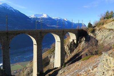 Luogelkin-Viadukt der Lötschberglienie