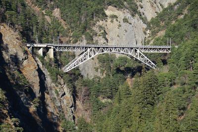 Imposante Bietschbach-Brücke