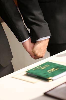 Hände Brautpaar 1