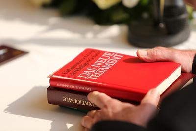 Neues Testament - Trauung