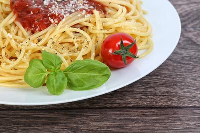 Spaghetti mit Tomatesauce