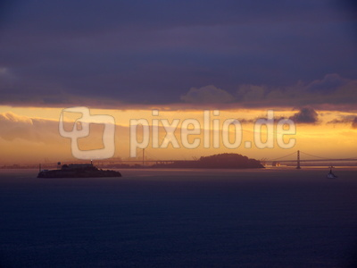 Sonnenaufgang Alcatraz San Francisco