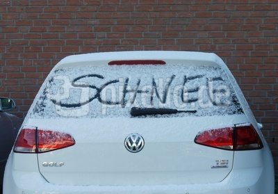 Das Auto verrät: Es hat geschneit