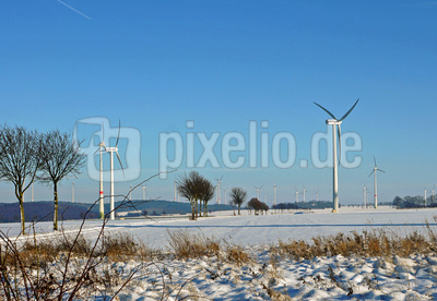 Windpark in Feld und Flur