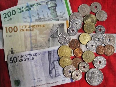 Dänische Kronen und dänische Münzen, alt und neu