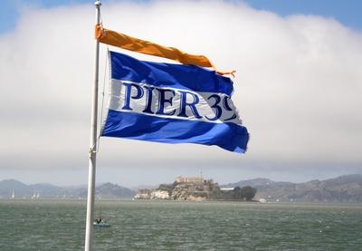 Pier 39 , Alcatraz