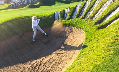 Golferin auf Links-Course