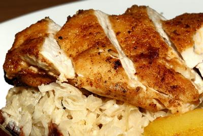 Hühnerbrust an Rahmkraut