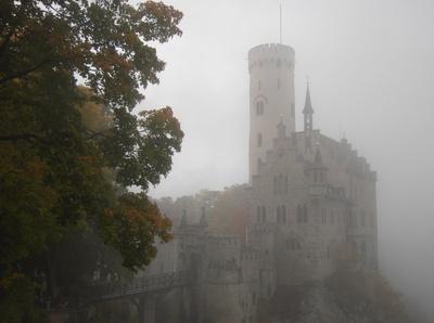 Schloss Lichtenstein im Nebel