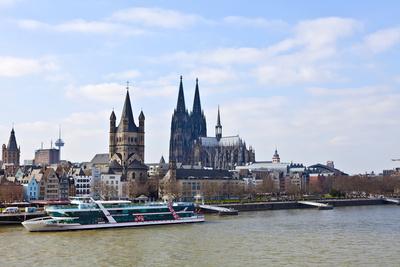 Die Rheinschifffahrt hat den Betrieb eröffnet