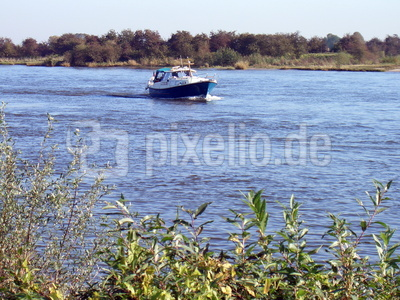 Flotte Fahrt auf der Weser