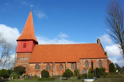 Kirche von Altefähr 2016