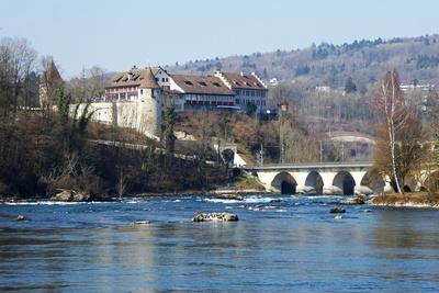 Schloss Laufen über dem Rheinfall