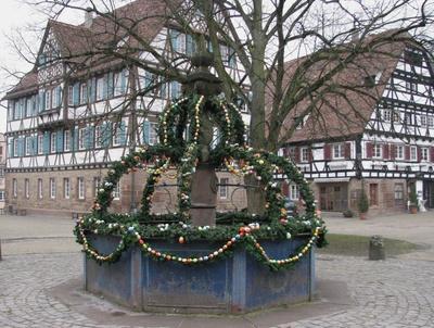 Osterbrunnen in Maulbronn