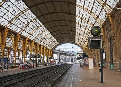 Bahnhofshalle Nizza