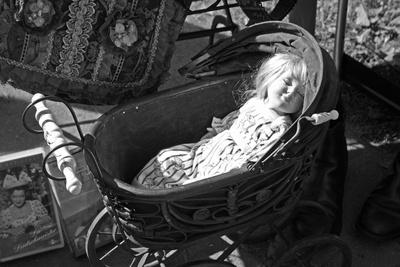 Puppe im Sonnenschein