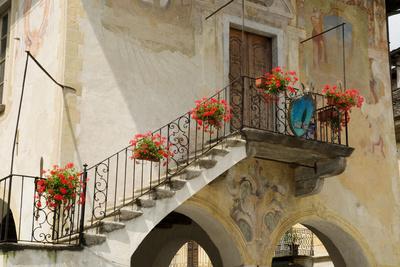 Bunter Treppenaufgang