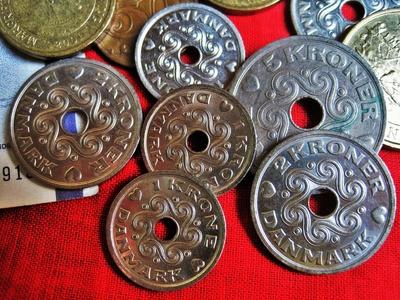 typisch dänische Münzen ...mit Loch