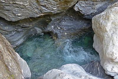 Tosendes Wasser in der Viamala