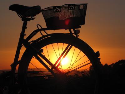 Fahrrad im Gegenlicht