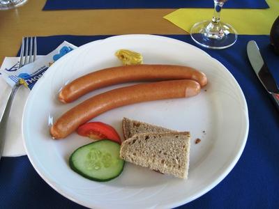 Wiener Würstchen mit Brot