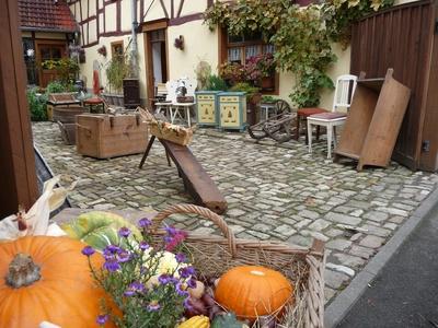 Hinterhof-Flohmarkt