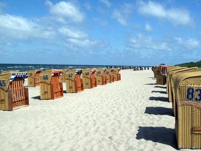 Strandkörbe am Meer (Ostsee)