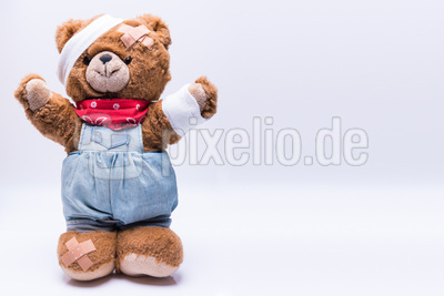 Teddy mit Pflaster