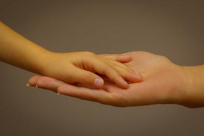 Hand auf Hand