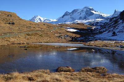 Bergsee mit Breithorngrat