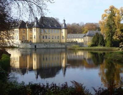 Schloss im Herbst