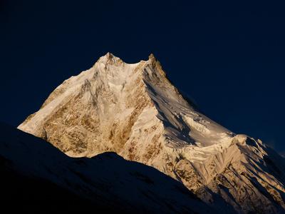 Manaslu - 8163 m - in der Morgensonne
