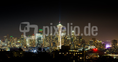 Panorama von Seattle in Washington bei Nacht