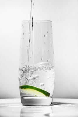 Frisches Wasser mit Limette