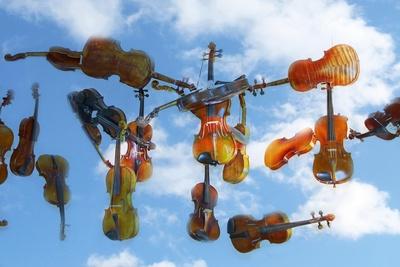 Der Himmel hängt voller Geigen...