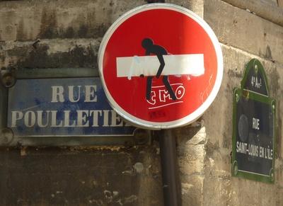 Streetart auf Verkehrszeichen 267