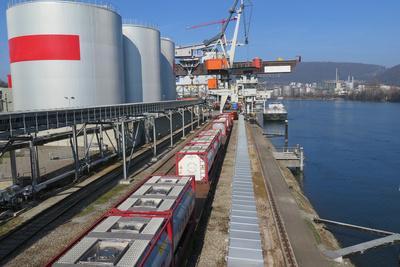 Frachthafen Birsfelden (Schweiz)