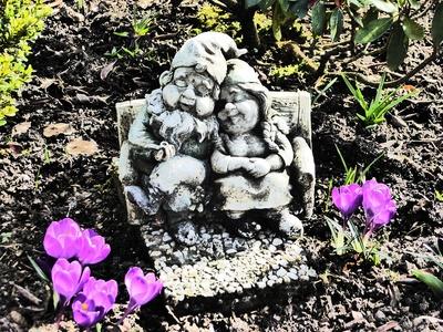 Liebespaar im Garten