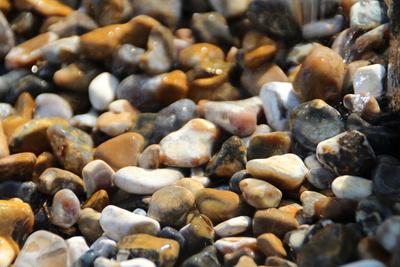 nasse steine