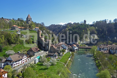 Fribourg liegt auf einem schmalen Felssporn