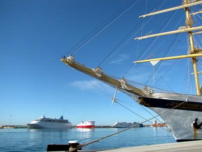 Segelschiff im Hafen von Palma