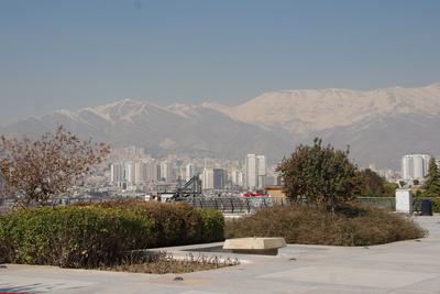 Teheran mit dem Elburz-Gebirge