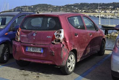 Autos auf Ischia