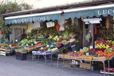 Forio D'Ischia – typisches italienisches Geschäft.