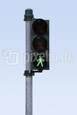 Fußgängerampelampel auf grün