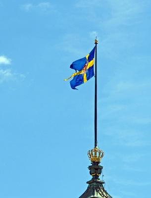 Die schwedische Nationalflagge . . . .
