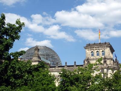 Reichstag vom Wasser aus