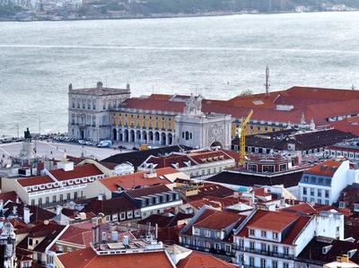 Panorama Dächer und Tejo Lissabon