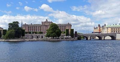 Der Reichstag . . . . ,