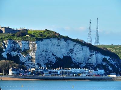 Dover und die Kreidefelsen in der Abendsonne